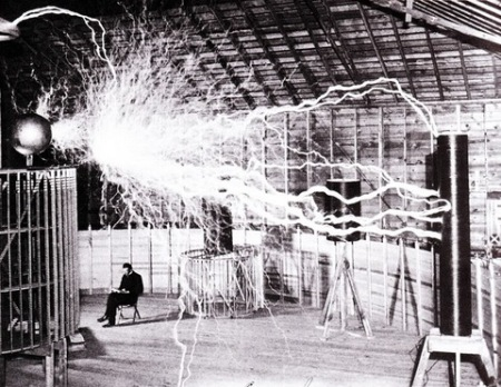 This tesla coil snuffed out the power in Colorado Springs when this photo was taken. Photo by Dickenson V. Alley, photographer at the Century Magazines via Wikimedia Commons.