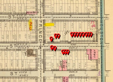 Red markers show the locations of brothels in 1870 and 1880. (image: G.W. BROMLEY & CO. / DAVID RUMSEY COLLECTION)